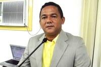 Matéria apresentada solicita que sejam realizadas obras de recuperação de praça pública
